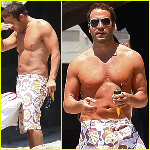 Shirtless Jeremy Piven -- HOT or NOT?