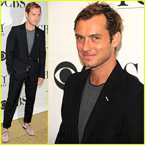 Jude Law: Tony Nominees Press Reception!