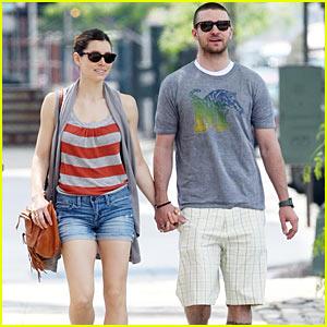 Justin Timberlake & Jessica Biel: Hand in Hand