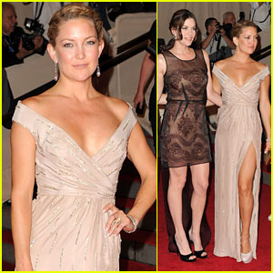 Kate Hudson: MET Ball with Liv Tyler