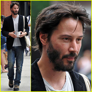 Keanu Reeves Has Pitti for 'Passengers'