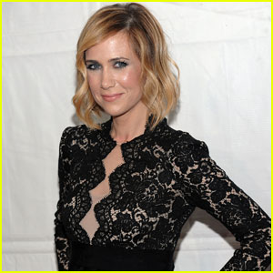 Kristen Wiig is a 'Clown Girl'