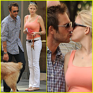 Michael Vartan & Lauren Skaar: Kissing Couple!