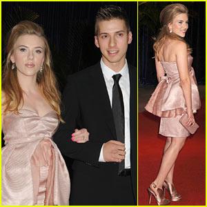 Scarlett Johansson White House Correspondents Dinner With Twin Brother Hunter Johansson Scarlett Johansson Just Jared