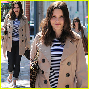 Sophia Bush: Salon & Starbucks!