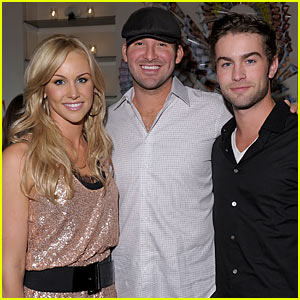 Tony Romo: Crawford Sibling Sandwich!