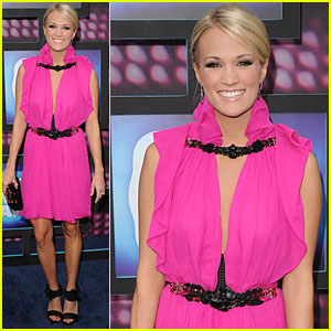 Carrie Underwood: Pretty in Pink for CMT!