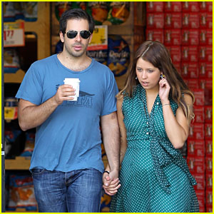 Eli Roth & Peaches Geldof: Coffee Run Before Flight