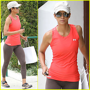 Halle Berry: Malibu Colony Company!
