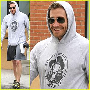 Jake Gyllenhaal Tones Up on Tuesday