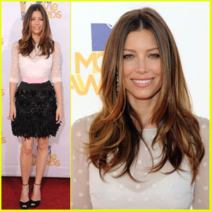 Jessica Biel - MTV Movie Awards 2010 Red Carpet!