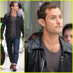 Jude Law Is At The ATM