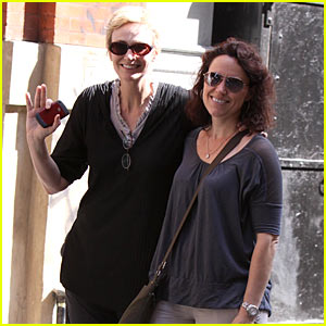 Jane Lynch: Meet My Wife Lara Embry!