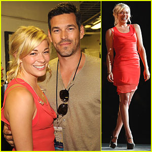 LeAnn Rimes Helps Nashville Rise Again