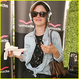 Rachel Bilson: Headphones Headbanger