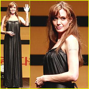Angelina Jolie Brings 'Salt' to Seoul Press Conference