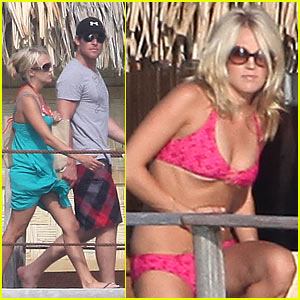 Carrie Underwood: Bikini Honeymoon Pics!