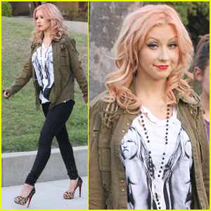 Christina Aguilera: Entourage Set Visit!