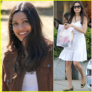 Freida Pinto Makes Rangoli Run