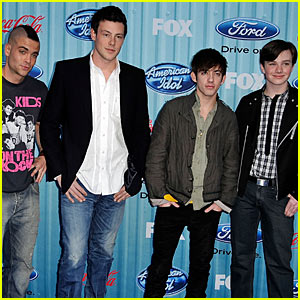 Cory Monteith & Glee Guys Co-Hosting Teen Choice Awards!
