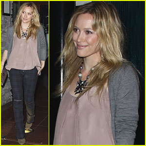 Hilary Duff: Mastro's with Mom!