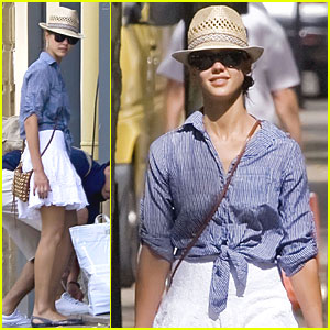 Jessica Alba: Family French Vacation!