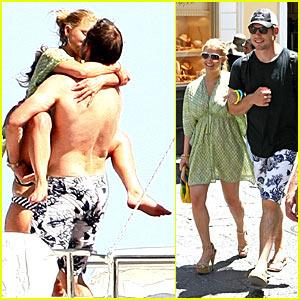 Jessica Simpson Wraps Her Legs Around Eric Johnson And Kisses Him!