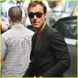 Jude Law: Film Fest Photocall!