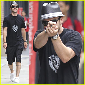 Justin Timberlake Shoots Pretend Gun at Paparazzi