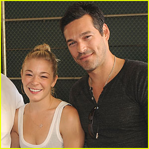 LeAnn Rimes & Eddie Cibrian: Moving In Together!