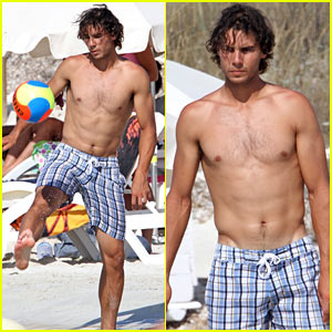 rafael-nadal-shirtless-soccer-beach.jpg