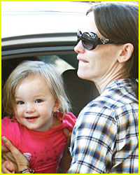 Seraphina Affleck: Say Cheese!
