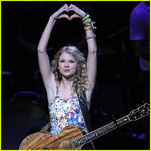 Speak Now -- Taylor Swift's New Album Drops October 25
