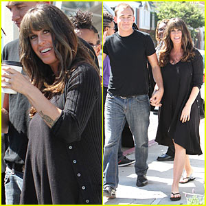 Alanis Morissette: Baby Bump Watch!