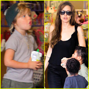 Angelina Jolie: Rockridge Kids Toy Store!