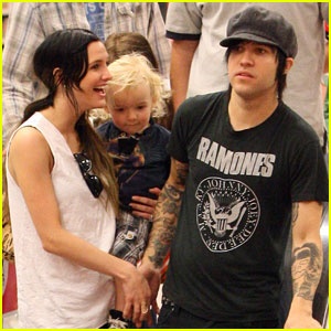 Ashlee Simpson & Her Boys Are Right On Target