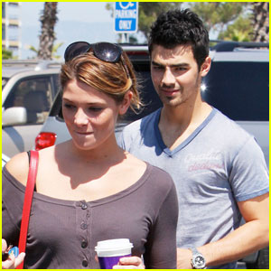 Ashley Greene Grabs A Cup Of Joe Jonas