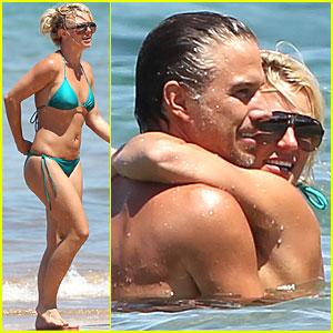 Britney Spears: Bright Green Bikini!