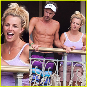Britney Spears & Jason Trawick: Balcony Bonding Time