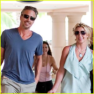 Britney Spears & Jason Trawick: Shopping in Hawaii