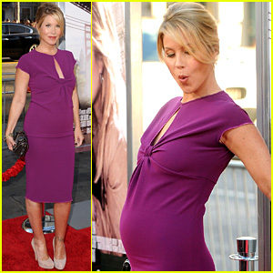 Christina Applegate: 'Going the Distance' Premiere Baby Bump