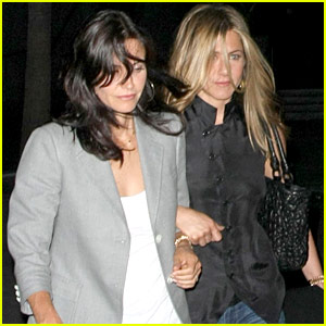 Jennifer Aniston Gets Set Visit From Courteney Cox