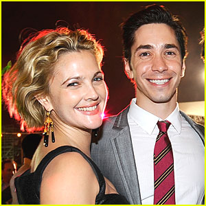 Is justin long dating drew barrymore