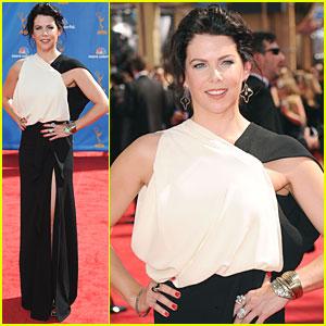 Lauren Graham - Emmys 2010 Red Carpet