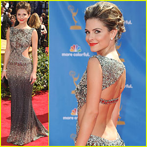 Maria Menounos - Emmys 2010 Red Carpet
