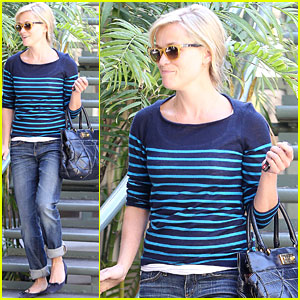 Reese Witherspoon Shows Her Stripes