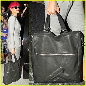 Rihanna: She's Got a Gun!