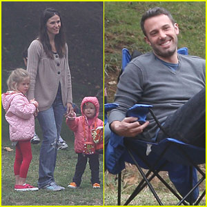 Jennifer Garner & Ben Affleck: Soccer with Seraphina and Violet