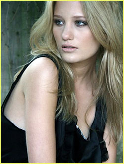 ashley hinshaw lol