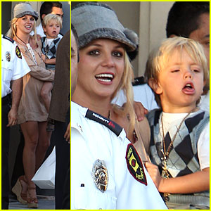 Britney Spears: Shopping with the Boys!